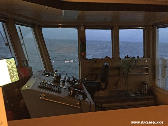 Chaise et instruments de commande du bateau